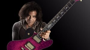 Stevie Salas